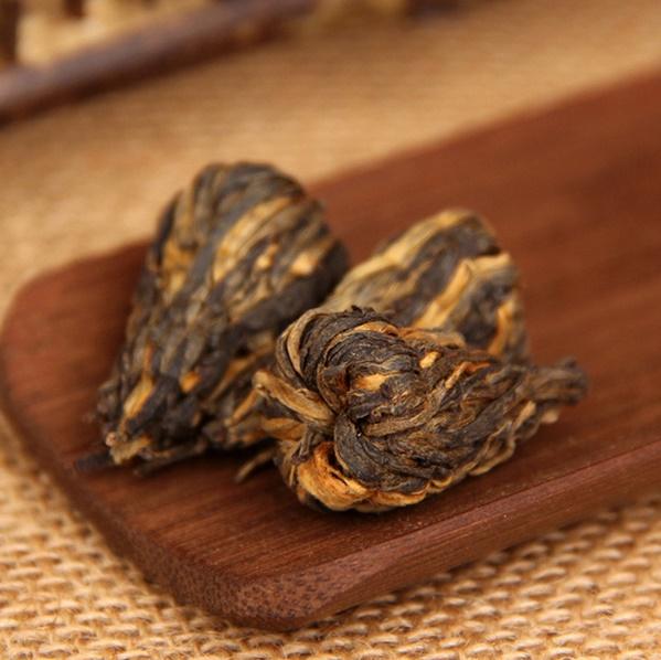 """DIAN HONG juodosios arbatos """"ŽIEDAS"""" (30/50/100 g.)"""
