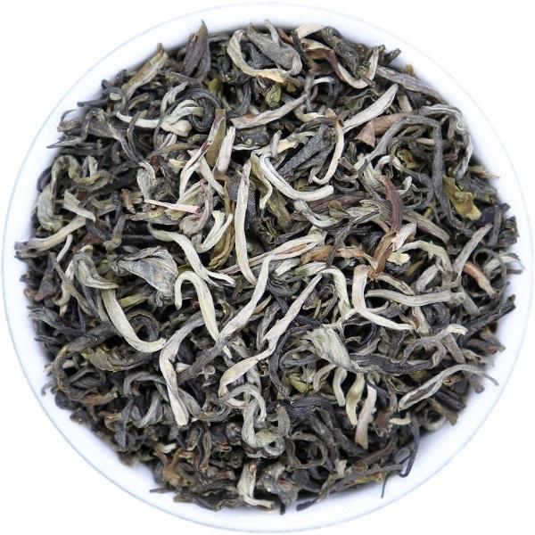 BALTOJI BEZDŽIONĖLĖ žalioji arbata (30/50/100 g.)