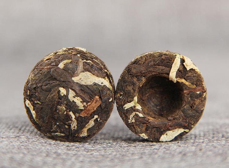 Ripe Pu-Erh (su CHRIZANTEMŲ ŽIEDAIS / 2011 m.) arbata (30/50/100 g.)