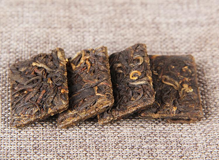 DIAN HONG MAO FENG (PRESUOTA / 2020 m.) juodoji arbata (20 g.)