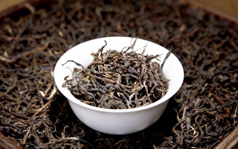 Raw Pu-Erh (BULANG MOUTAIN / 2007 m.) arbata (240 g.)