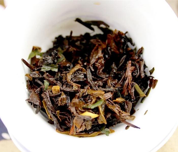 Ripe Pu-Erh (su LIPNIAIS RYŽIAIS / 2012 m.) arbata (30/50/100 g.)