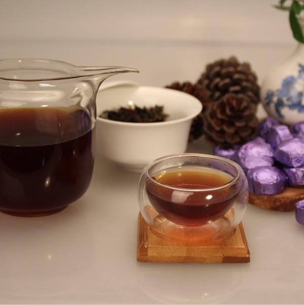 Ripe Pu-Erh (su LEVANDŲ ŽIEDAIS / 2012 m.) arbata (30/50/100 g.)