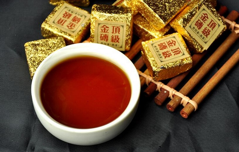 Ripe Pu-Erh (su LIPNIAIS RYŽIAIS / 2010 m.) arbata (30/50/100 g.)