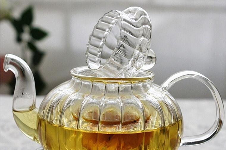 Arbatinukas su šildytuvu ir 6 pialos (600 ml.)