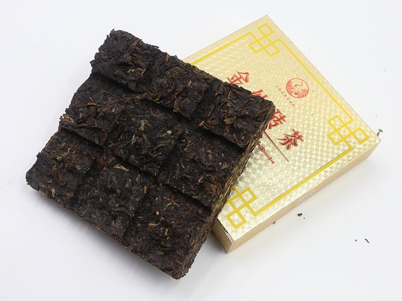 Raw Pu-Erh (Xiaguan Classic: GOLD SILK / 2012 m.) arbata (125 g.)
